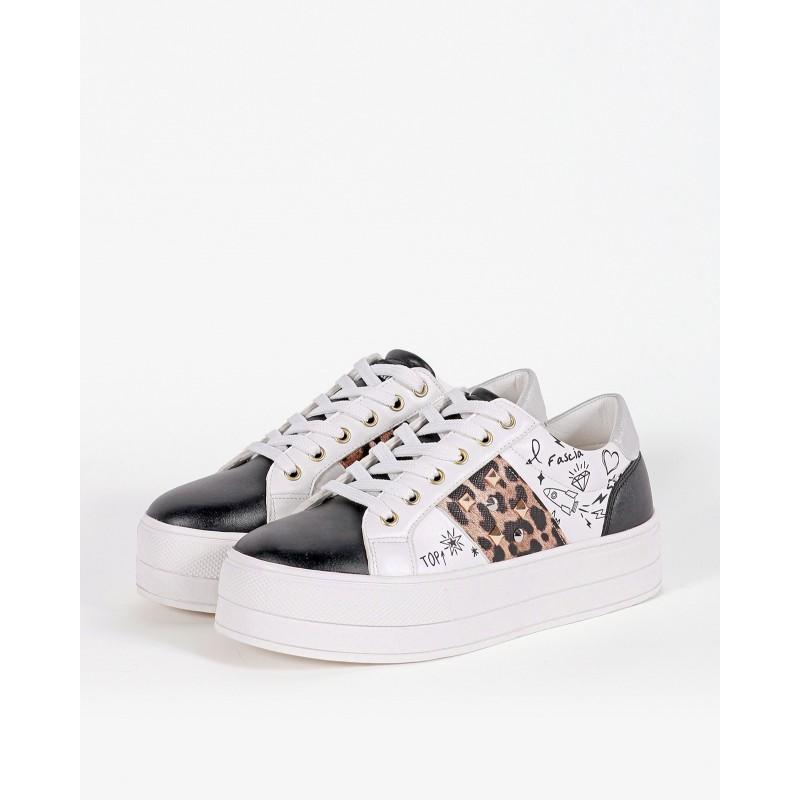 Gio Cellini - Sneakers bianche con stampe e borchie