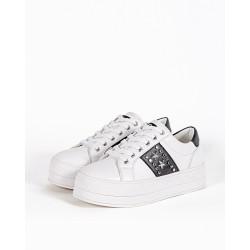 Gio Cellini - Sneakers bianche rialzate con borchie stella