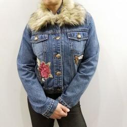 PDK -Giubbino corto di jeans con decorazioni e pelliccia